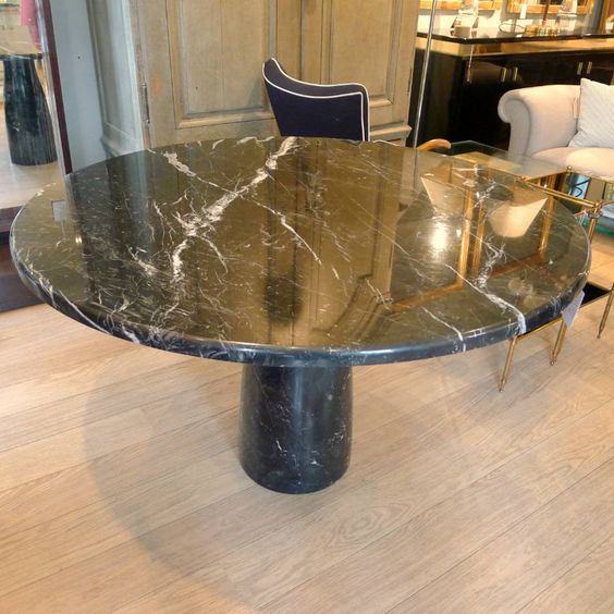 Round marble dining table, Italy c.1960