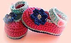 Aquí encontraréis fantásticos tutoriales para elaborar unas monísimas sandalias de bebé a ganchillo. ¿Con cuál os quedáis?