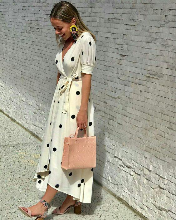 @anthro_walnutcreek Vestido midi de bolinhas #vestido #dress #vestidomidi #bolinhas #polkadots #poas #moda #estilo #tendência #fashion #fashionblog #modamujer #modafeminina #streetstyle #streetfashion #streetwear #modaderua #estiloderua #outfitt #ootd #outfitoftheday #outfitideas #outfits #looks #lookoftheday #lookdodia #look #GostoDisto