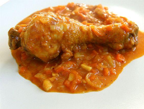 Después de un parón, volvemos a cookoroko con una receta muy fácil pero sabrosísima. ¡¡Habemus pollo!!. Para aquellos y aquellas que os guste el curry, esta es una buena receta. ¡Ánimo y a por ella…