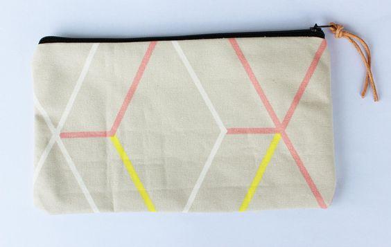 Schminktasche / Mäppchen geometrisches Muster von ars textura auf DaWanda.com