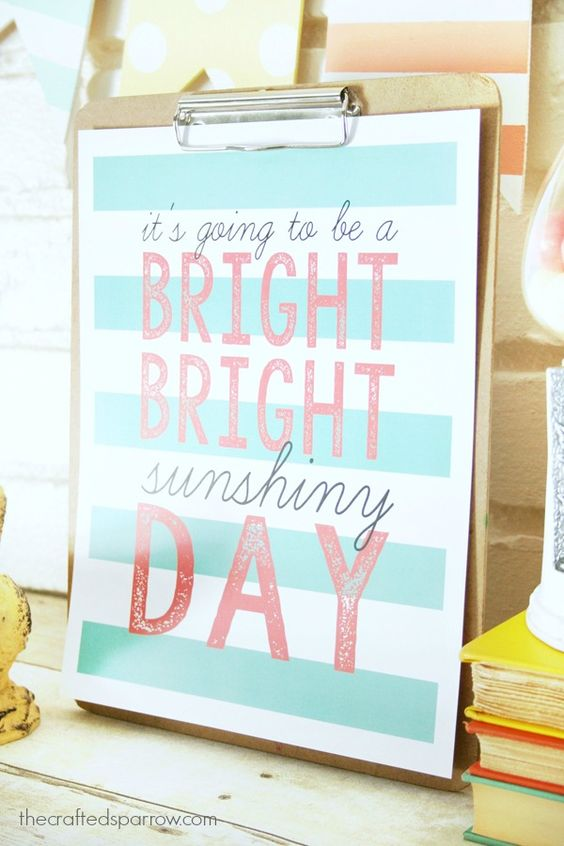 Free summer printable via The Crafted Sparrow to frame or display on a bulletin board.This cute Free Summer Printable is sure to brighten your day and your Summer decor.