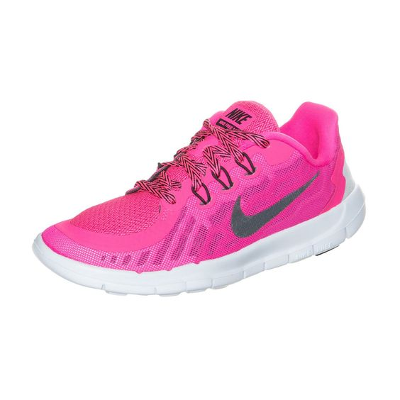 Free 5.0 Laufschuh Kinder    Mit deinem Nike Free kommst du der natürlichsten und gesündesten Art dich fortzubewegen, dem Barfußlauf ganz nah und erzeugst ein Gefühl der Leichtigkeit.     Das Obermaterial aus gewebtem Mesh sorgt für Atmungsaktivität, die in das Schnürsystem integrierte Flywire-Fasern für eine adaptive, stützende Passform. Die traditionelle Zungenkonstruktion reduziert den Schnü...