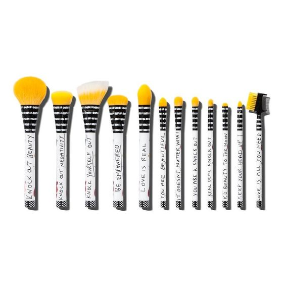 The Ten Best Makeup Brush Sets Under $50 // #3 Sonia Kashuk Knock Out Beauty Brush Set // Check out the rest of the best here!