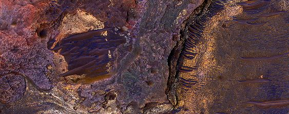 HiRISE image of sedimentary rock layers on a crater floor in the southern hemisphere of Mars (20th of May 2015).