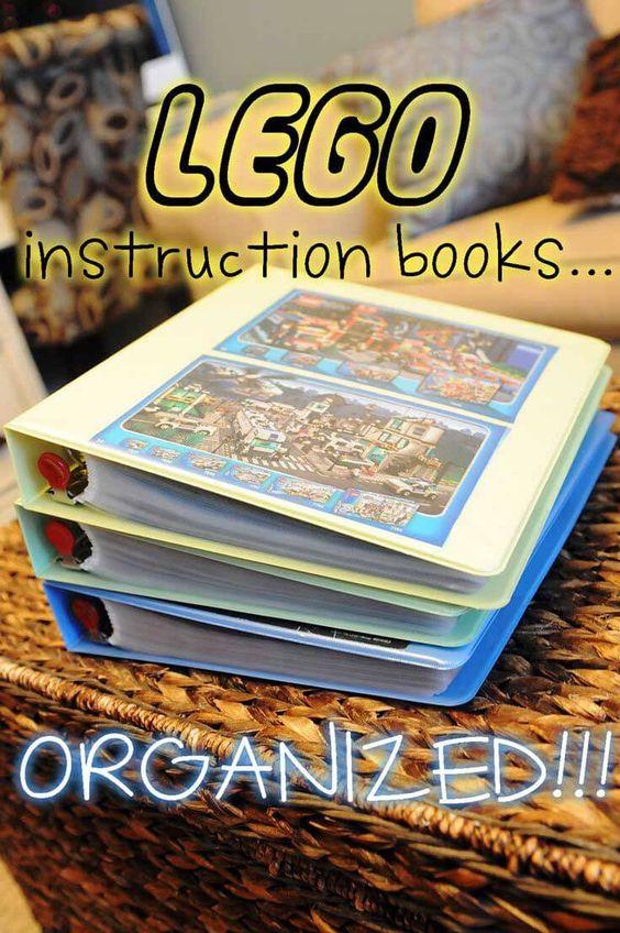 Instructieboekjes LEGO opbergen in een fotoalbum