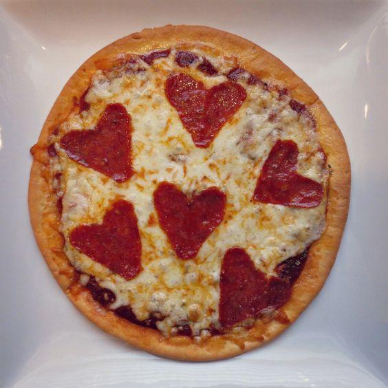Who said pizza wasn't romantic!? Click for our #glutenfree Heart Warming Pizza recipe!