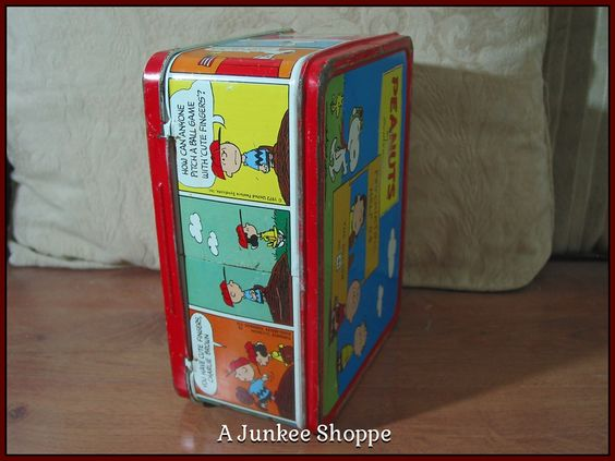 PEANUTS 1973 Lunch Box Charlie Brown Snoopy Lucy Linus Patti No Thermos Used Junk 945  http://ajunkeeshoppe.blogspot.com/