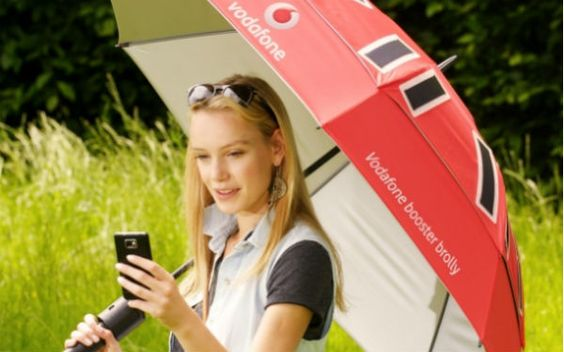 This umbrella will charge your phone and boost your mobile signal. #CouldUseInHolland