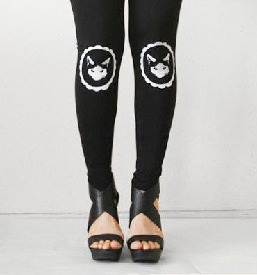 Kitty Cat dans le Style de cadre noir Womens par rabbitandeye, $28.00