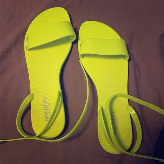 Cute neon sandals Never been worn old navy neon green strap sandals! Excellent condition.(can fit 9.5-10)Summer ready Old Navy Shoes Sandals