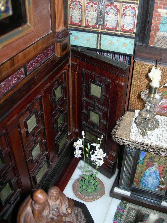 Secret panel door in the chapel, leading into Titania's Boudoir