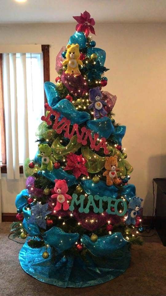 40 Unique Christmas Trees Ideas Designs Cool Christmas Trees Rainbow Christmas Tree Christmas Tree Themes