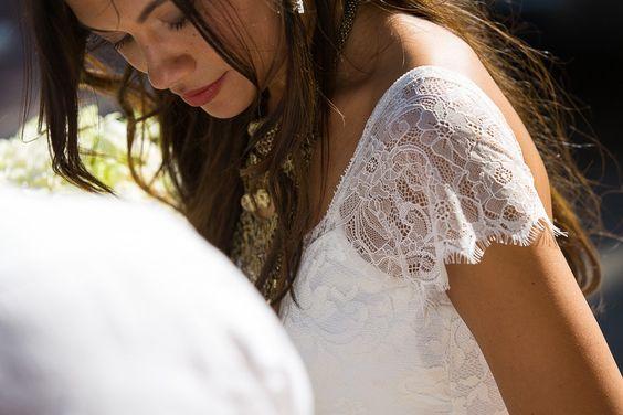 robe dentelle et mariage bouddhiste