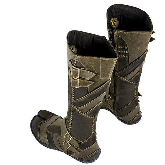 Vajra Tabi (Tabi) at AYYA - Custom ninja tabi boots, hand ...