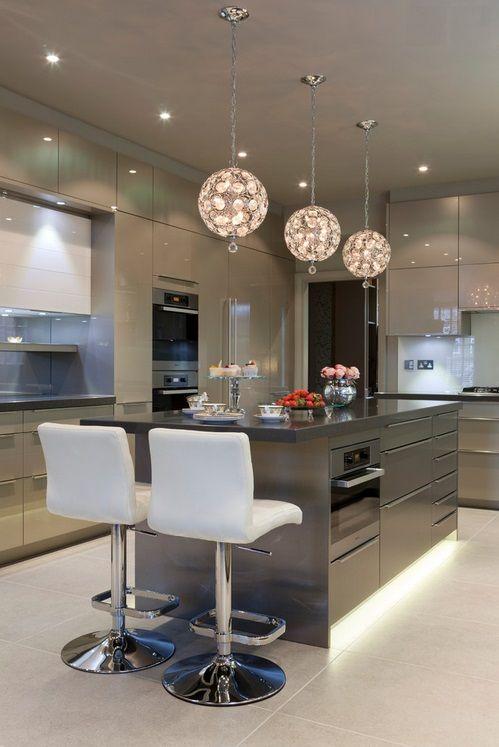 Ilha na cozinha Kitchens, House and Interiors - küchen hochglanz weiß