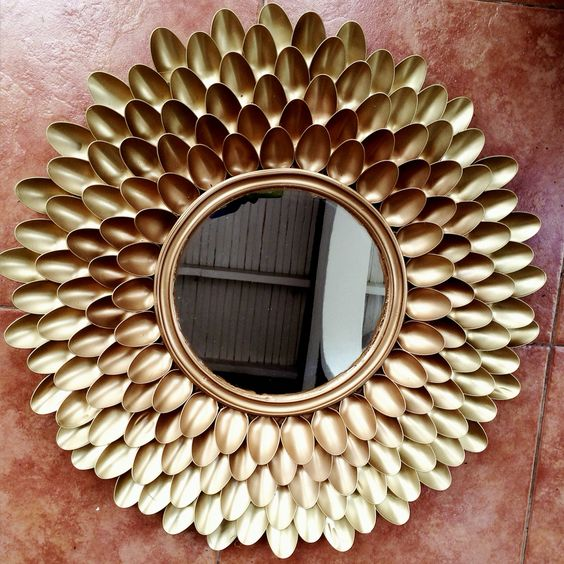 DIY Ombré spoons mirror. I attempted an ombré look using gold and bronze spray paint.: