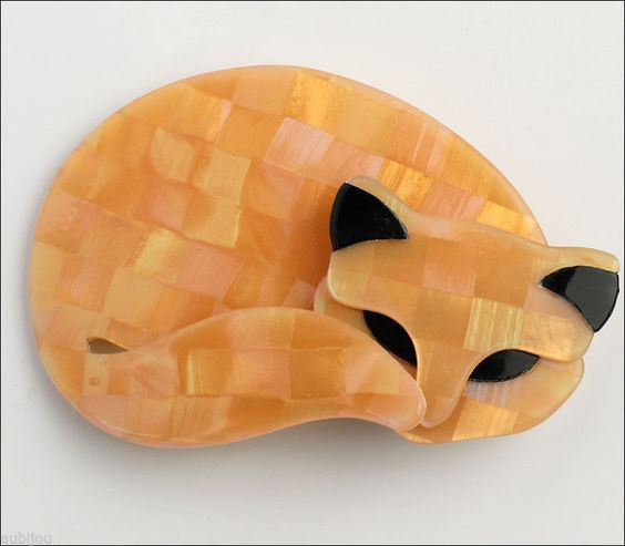 Lea Stein Figural Pearly Apricot Gomina Sleeping Cat Brooch Pin French Plastic | eBay