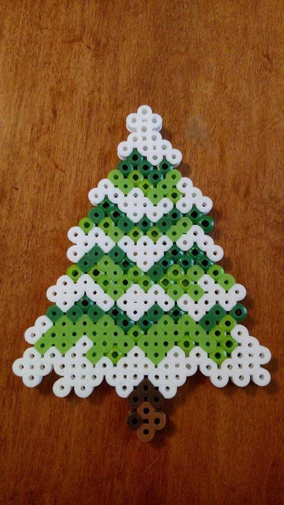 Sapin de no l en perles repasser hama kor lky pinterest arbres de no l navidad et rouleaux - Perles a repasser noel ...
