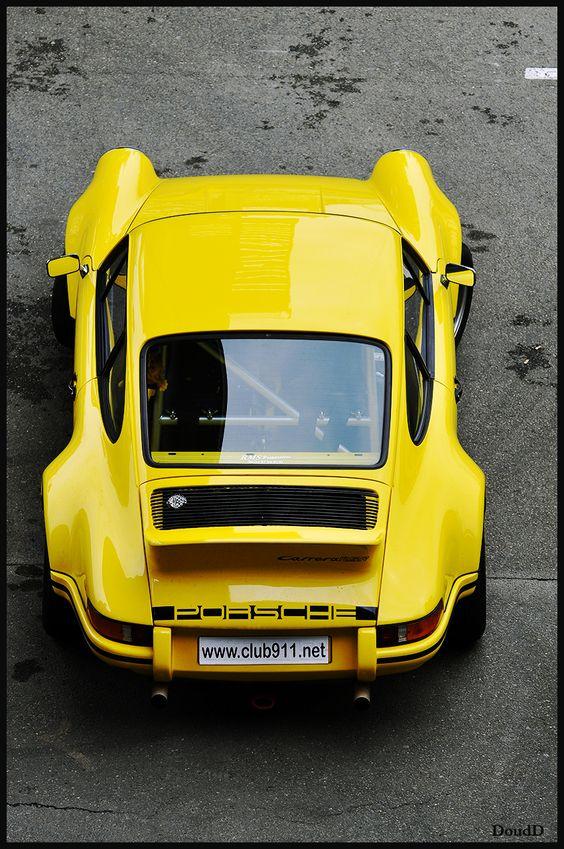 Porsche 911  repinned by http://pinterest.com/myinfosnap