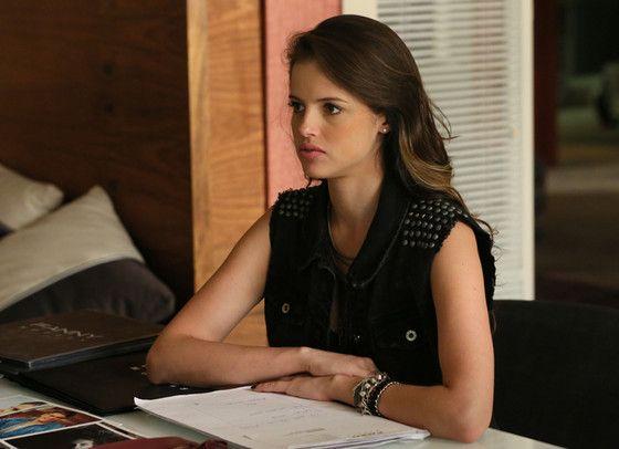 Giovanna's look.