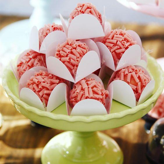 To pirando nos doces da @chekerdoces  #1milhaodafabi
