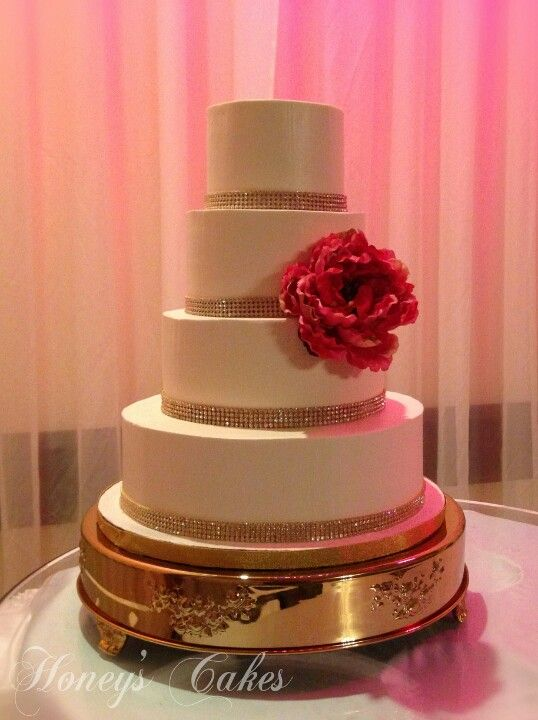 gold bling for wedding cakes simple yet ivory buttercream wedding cake with 14746