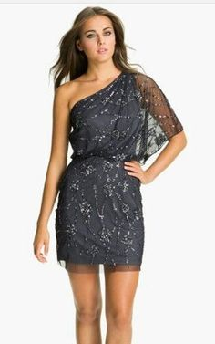 Vestido curto de festa - ombro só - http://vestidododia.com.br/modelos-de-vestido/como-usar-vestidos-de-ombro-so/