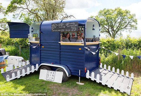 It took eight week to transform a 10-year-old Rice Beaufort horse box into The Gin Tin, a mobile bar