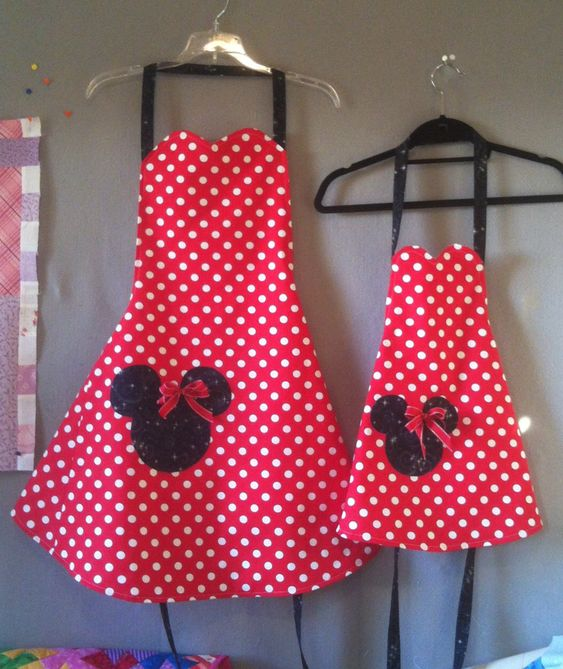 Mommy & Me    Minnie Mouse Aprons