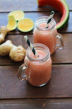 Suco de melancia, abacaxi e laranja