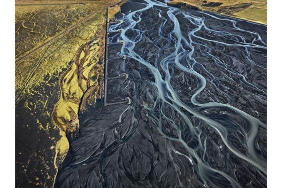Edward Burtynsky donates 34 works to the Vancouver Art Gallery's permanent collection