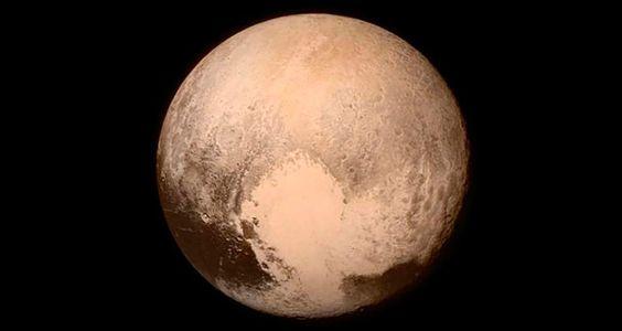 NASA captura imagens nítidas do Planeta Plutão