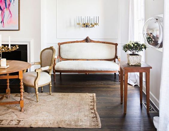 Colleen Locke seizes the opportunity to reinvent her new Southern surroundings.