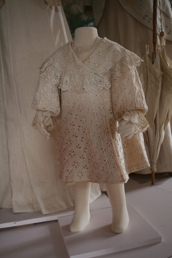Child's dress. To order the catalog email info@putnamhistorymuseum.org