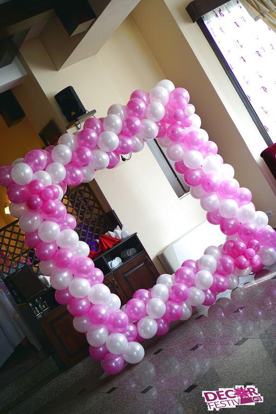 Cadru din baloane pentru fotografii vesele cu invitații #fotocorner #colțfoto #botez #ghirlandăbaloane