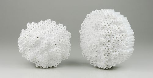 Luzia Vogt Brooches: Zuckerblumen, 2013 Synthetic material, silver 925, steel 70 x 60 x 45 mm; 70 x 80 x 45 mm