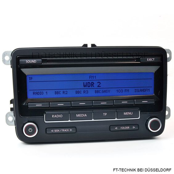 Ein VW CD Radio RCD 310 MIT MP3!!! Passend für: Golf 6 Golf Plus 2 Passat 3AA 3C Polo 6R  Das Radio befindet sich technisch sowie optisch in einem sehr guten Zustand. Bei uns im Shop!