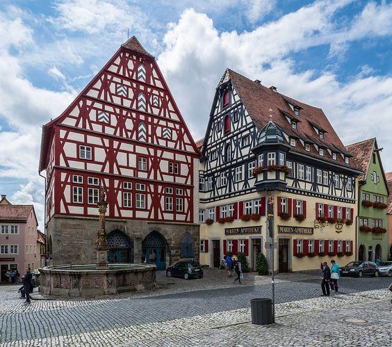 Маріенапотеке(справа на куті), Ротенбург, Німеччина