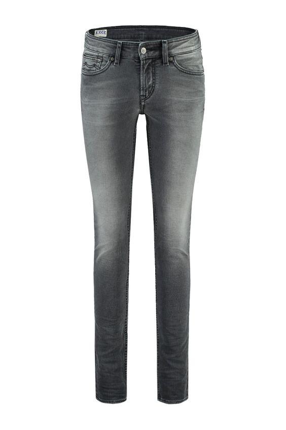 Deze jeans van Kings of Indigo is gemaakt van 98% katoen en 2% elastaan. Model Juno is een skinny fit jeans met een mid rise taille. De grey worn well wassing is een afgewassen zwarte jeans kleur met lichtere details. Kings of Indigo Jeans Juno Grey Worn