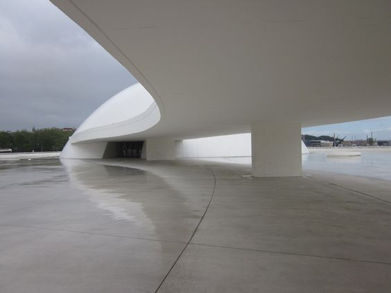 Centro Niemeyer, Avilés, Asturias - España. By Graciela Delgado
