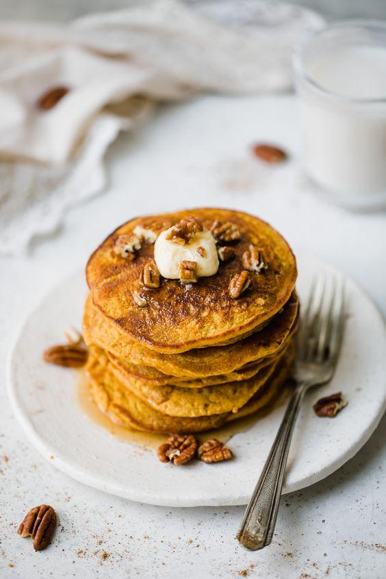 Healthy Pumpkin Oatmeal Pancakes