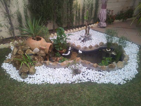 Decoraci n de jardines con piedras blancas para m s for Jardines decorados con piedras