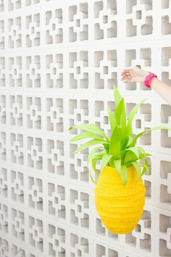 DIY Pineapple Piñata