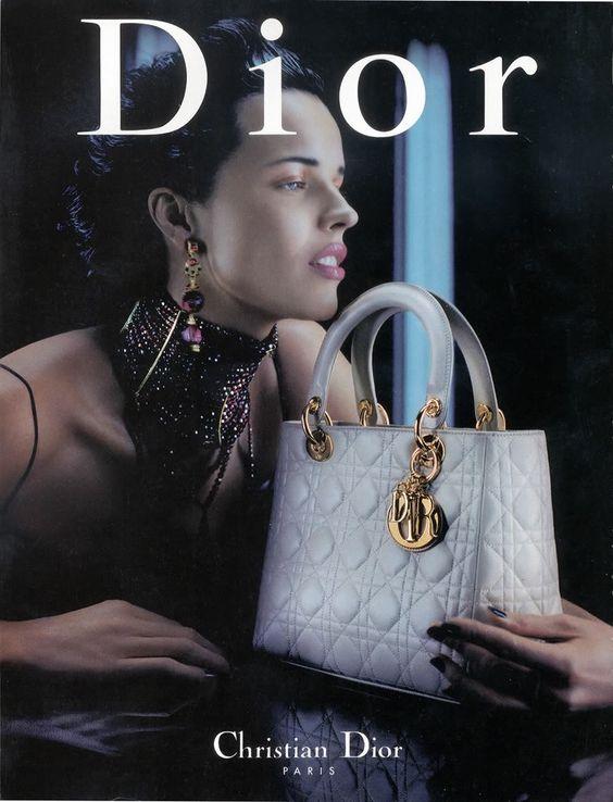 Publicidad del Bolso Lady Dior... de Christian Dior