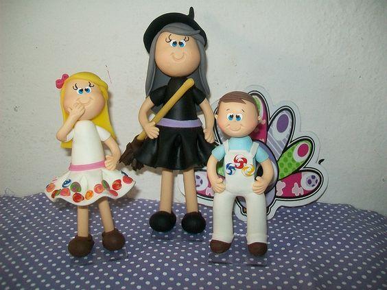 Lindos topo de Bolo João e Maria...ah a e bruxa tbm!!!Rsrsrs by aline.pavo, via Flickr