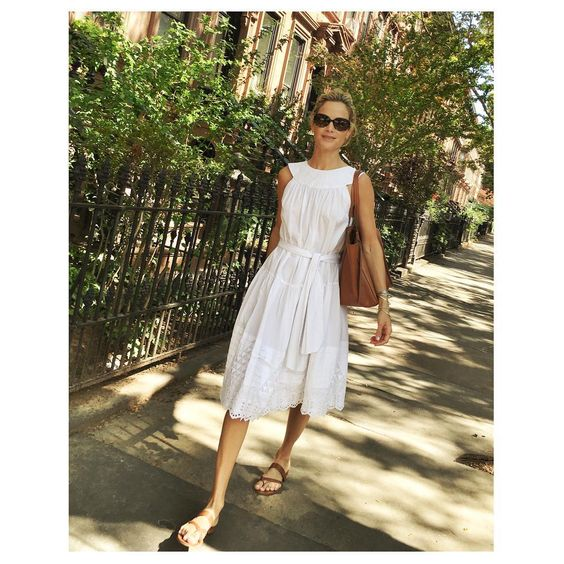 Carolyn Murphy looks summer ready in Suno | DRESSR: