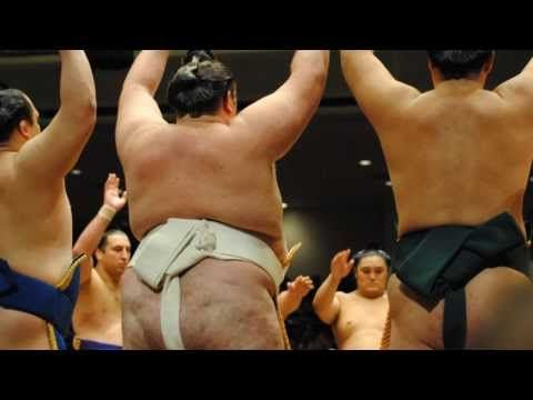 Whether to watch sumo or Shoten on Sunday afternoons?
