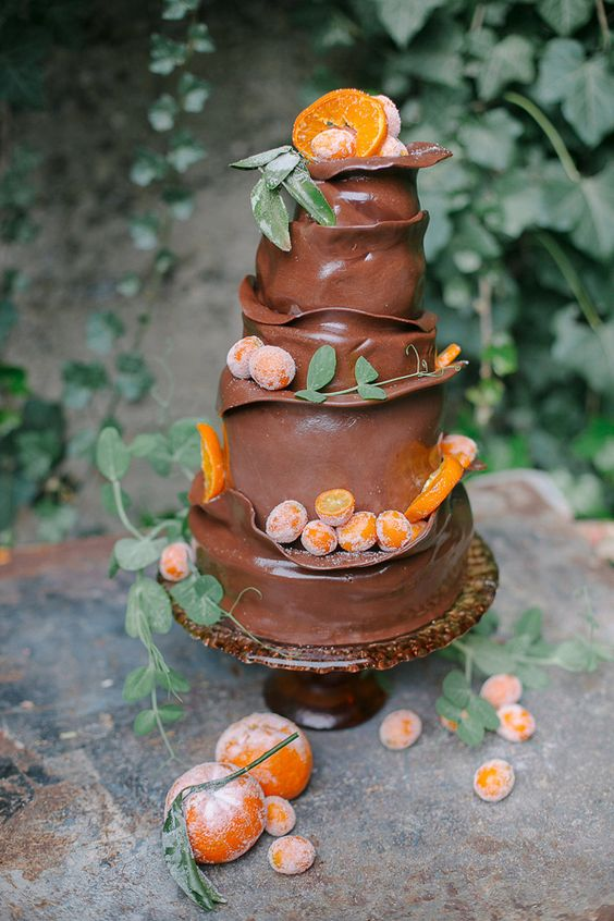 chocolate wedding cake - photo by Julie Cahill Photography #chocolatewedding cake #orangechocolate