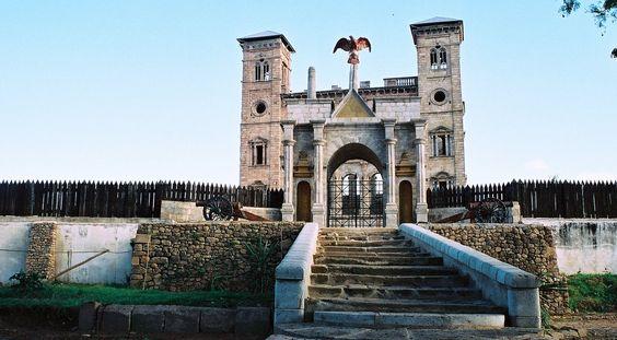 Rova von Antananarivo im Madagaskar Reiseführer http://www.abenteurer.net/2261-madagaskar-reisefuehrer/